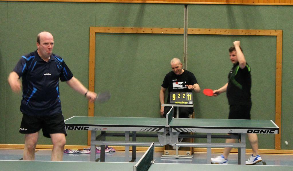 Lukas triumphiert über Stefan Mudrow.