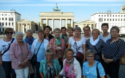 Die Südlöwinnen zu Besuch beim Berliner Bären